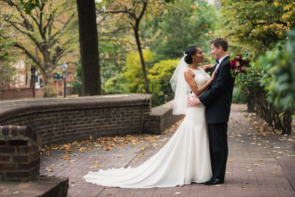 Classic fall wedding in Old City, Philadelphia