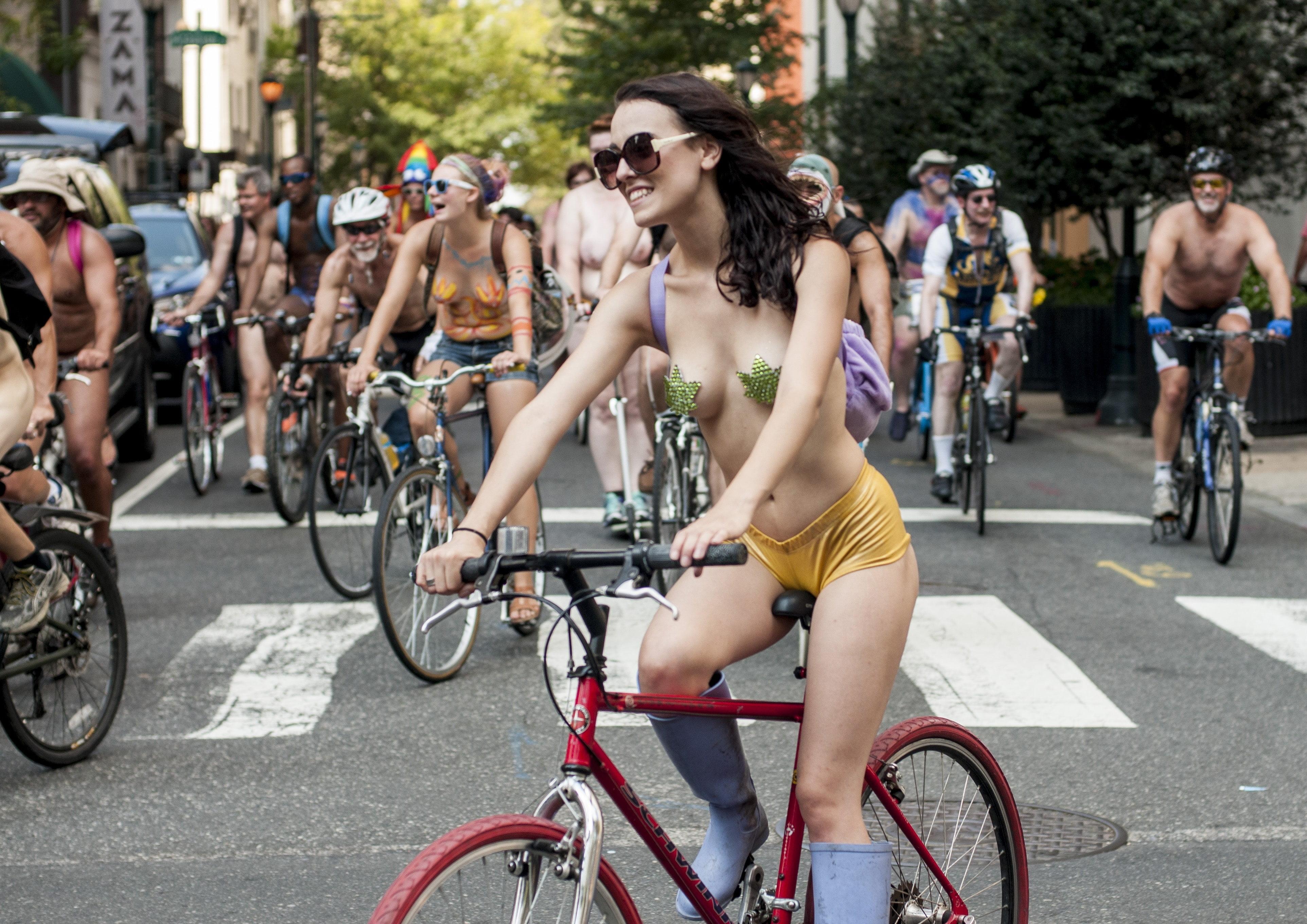 Uvm naked bike