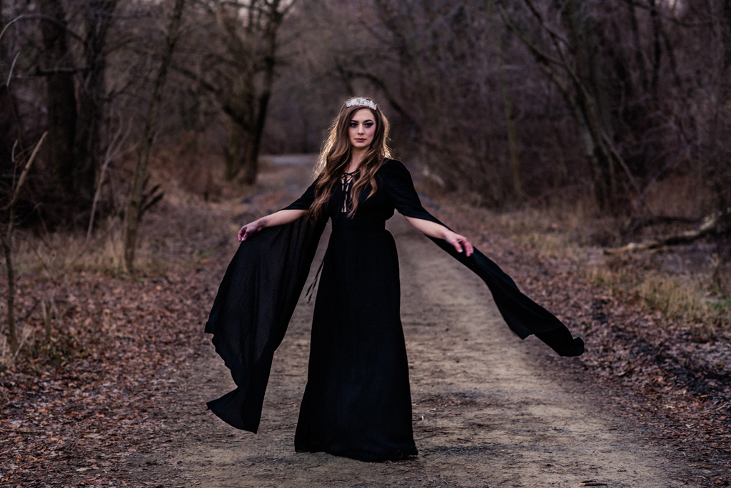 Witchy walk in the woods-193