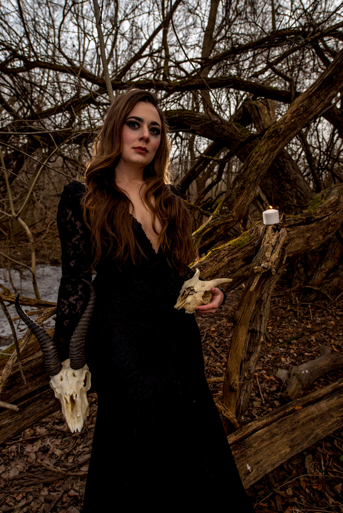 Witchy walk in the woods-48