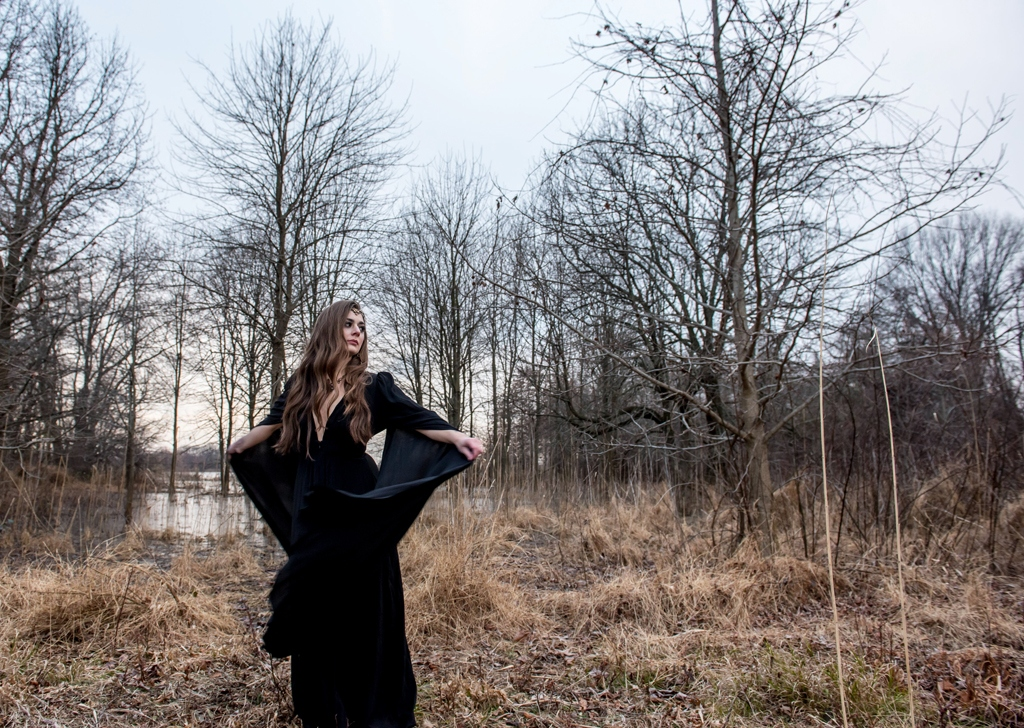 Witchy walk in the woods-235