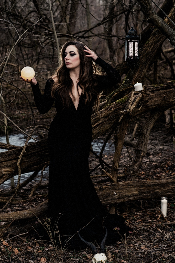 Witchy walk in the woods-38